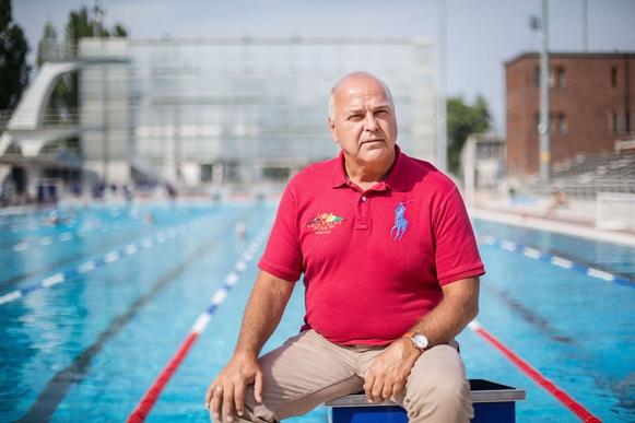 Olimpiai bajnok vízilabdázó, edző